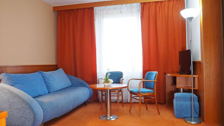 Economy suite
